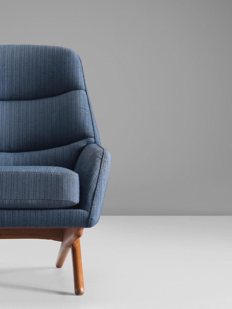 Mid-20th Century Illum Wikkelsø Lounge Chair in Blue Upholstery For Sale