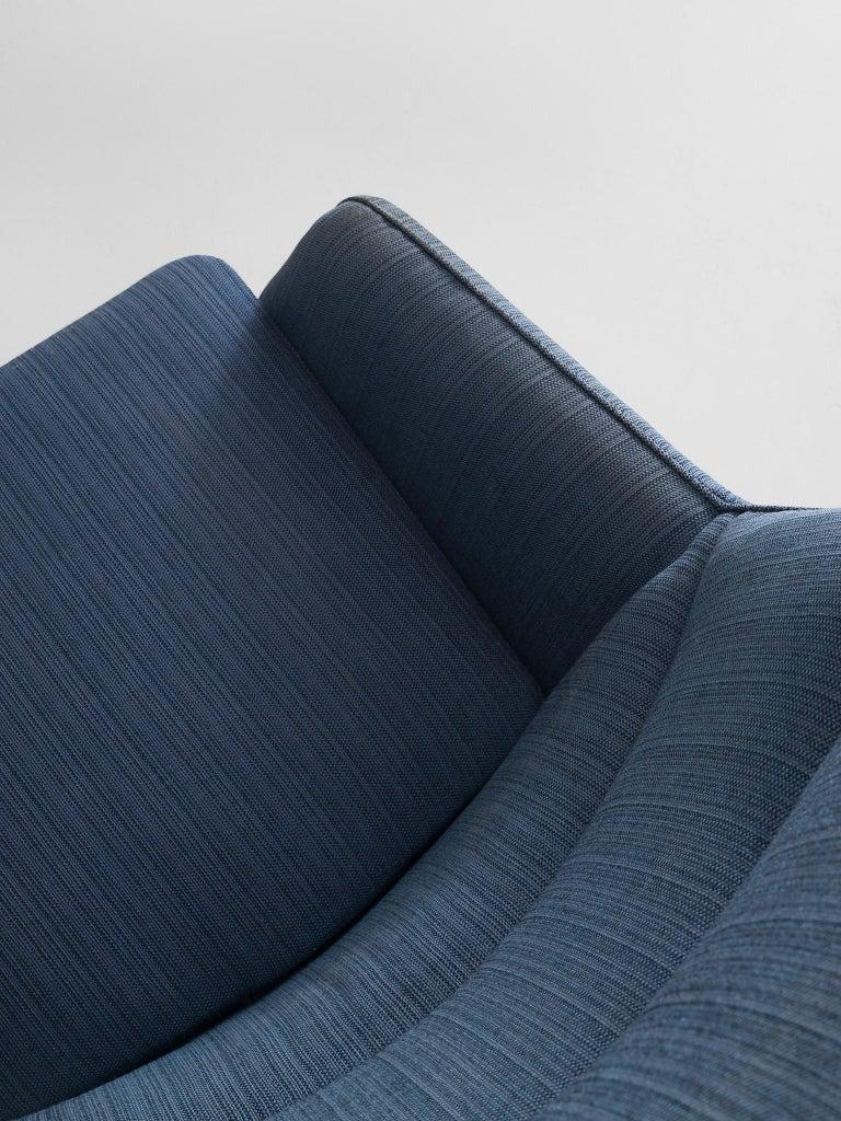 Illum Wikkelsø Lounge Chair in Blue Upholstery For Sale 1