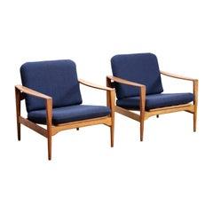 Illum Wikkelsø Set of Two Oak Easy Chairs Model EK by Niels Eilersen in Denmark