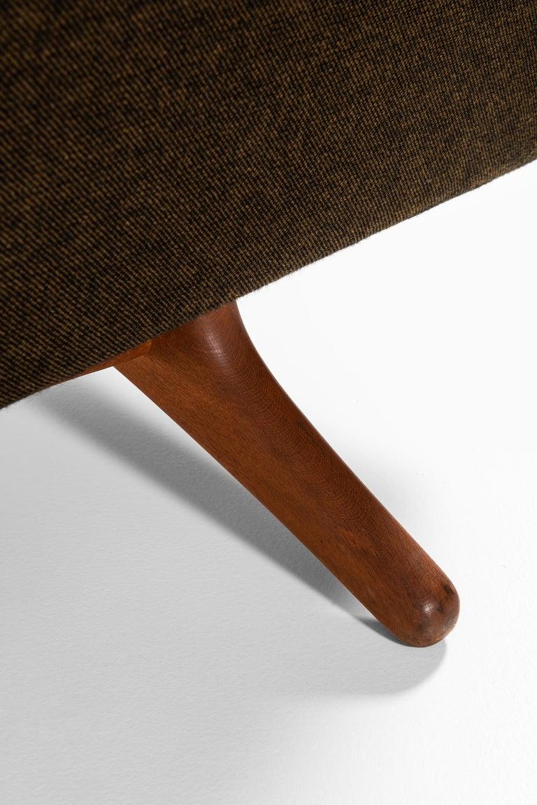 Illum Wikkelsø Sofa Model ML-140 by Michael Laursen in Denmark For Sale 2