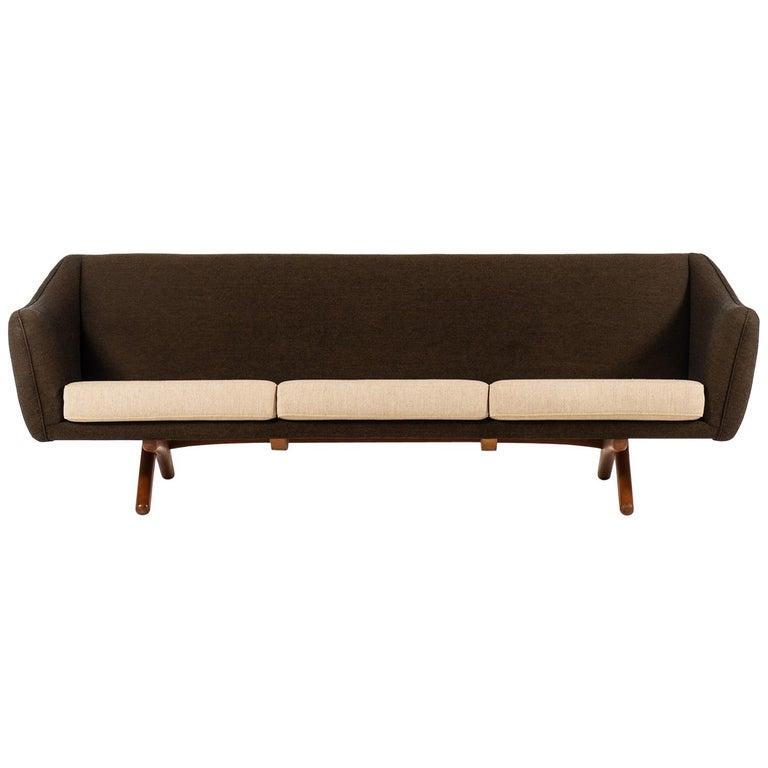 Illum Wikkelsø Sofa Model ML-140 by Michael Laursen in Denmark For Sale