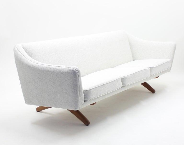 Illum Wikkelsø sofa model ML-140 for A/S Michael Laursen, Denmark, 1950s For Sale 3