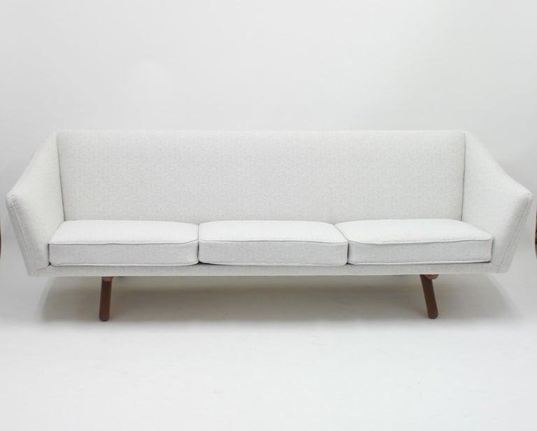 Illum Wikkelsø sofa model ML-140 for A/S Michael Laursen, Denmark, 1950s For Sale 4