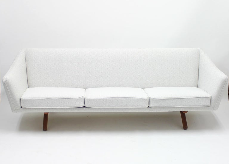 Illum Wikkelsø sofa model ML-140 for A/S Michael Laursen, Denmark, 1950s In Good Condition For Sale In Uppsala, SE