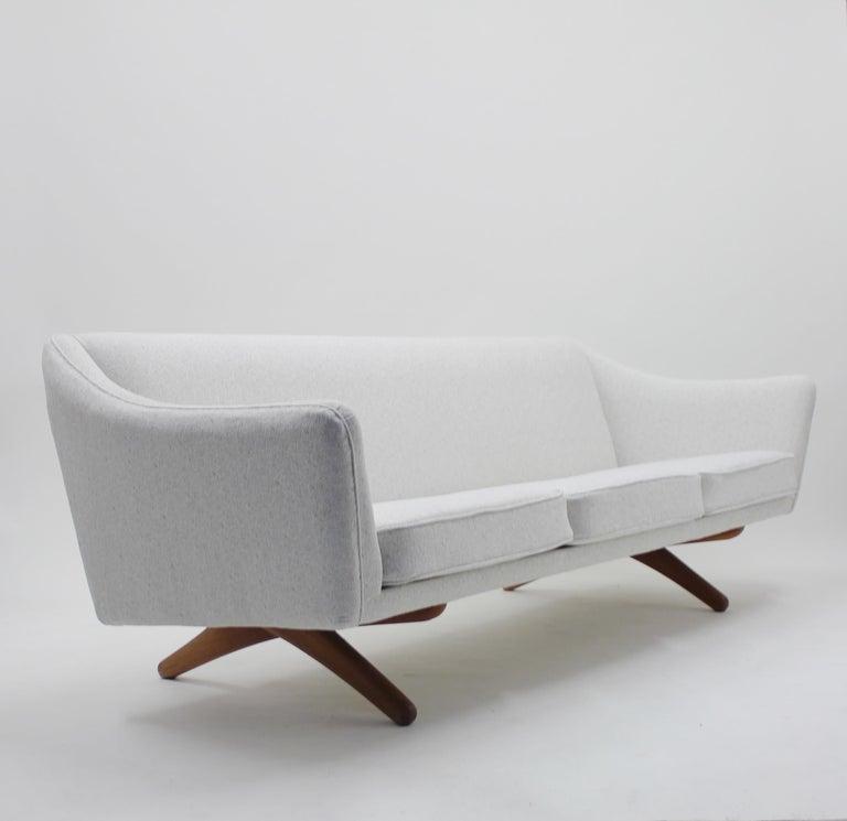 20th Century Illum Wikkelsø sofa model ML-140 for A/S Michael Laursen, Denmark, 1950s For Sale