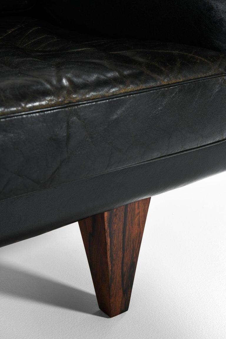 Scandinavian Modern Illum Wikkelsø Sofa Model V11 Produced by Holger Christiansen in Denmark For Sale