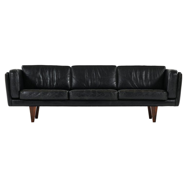 Illum Wikkelsø Sofa Model V11 Produced by Holger Christiansen in Denmark For Sale