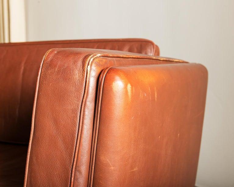 Illum Wikkelsø Sofa V11 in Brown Leather for Holger Christiansen, Denmark, 1960s For Sale 5