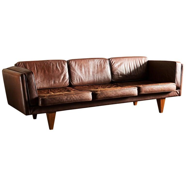 Illum Wikkelsø Sofa V11 in Brown Leather for Holger Christiansen, Denmark, 1960s For Sale