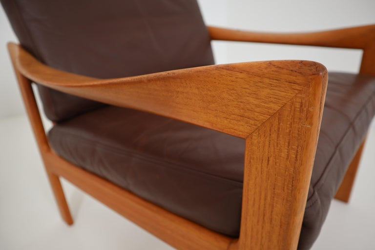 Illum Wikkelsø Teak Armchair, Danish, 1960s, Produced by Eilersen In Good Condition For Sale In Almelo, NL