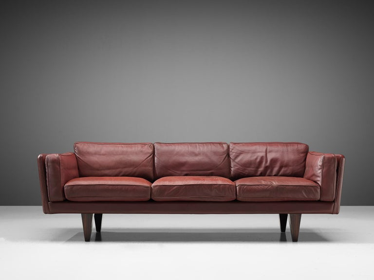 Illum Wikkelsø for Holger Christiansen, sofa model 'V11', leather, rosewood, Denmark 1960s.