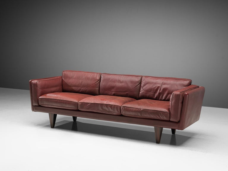 Mid-20th Century Illum Wikkelsø Three-Seat Sofa in Burgundy Leather Fully Restored For Sale