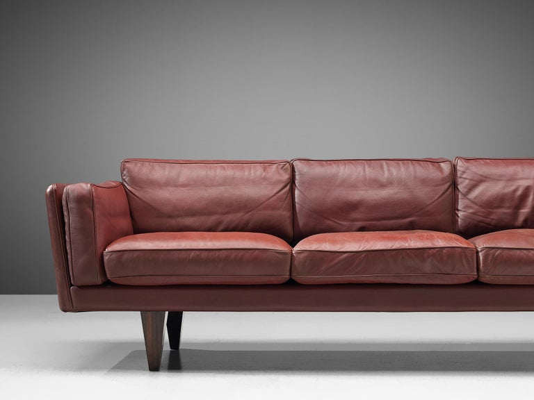 Illum Wikkelsø Three-Seat Sofa in Burgundy Leather Fully Restored For Sale 2