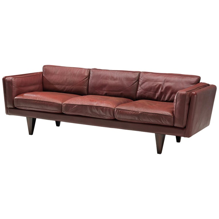 Illum Wikkelsø Three-Seat Sofa in Burgundy Leather Fully Restored For Sale