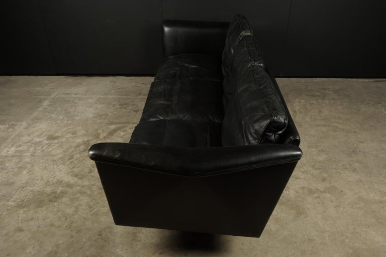 European Vintage Illum Wikkelso Leather Sofa, Denmark, circa 1970 For Sale