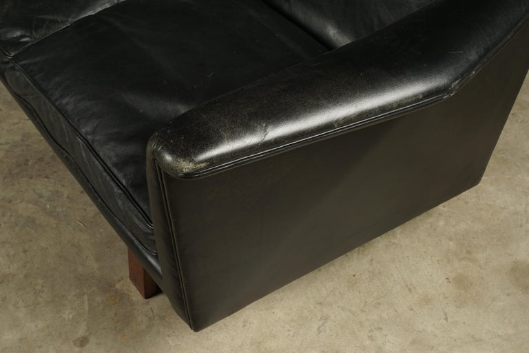 Vintage Illum Wikkelso Leather Sofa, Denmark, circa 1970 In Good Condition For Sale In Nashville, TN