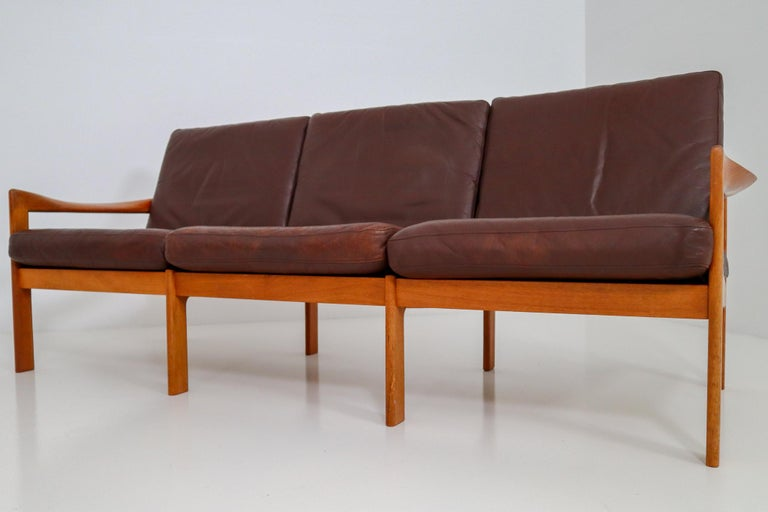 Illum Wikkelso Three-Seat Teak Sofa, Danish, 1960s, Produced by Eilersen In Good Condition In Almelo, NL