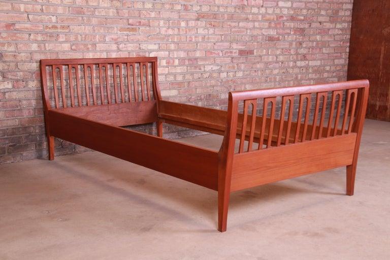 Illums Bolighus Danish Modern Teak Twin Size Bed, circa 1950s For Sale 1