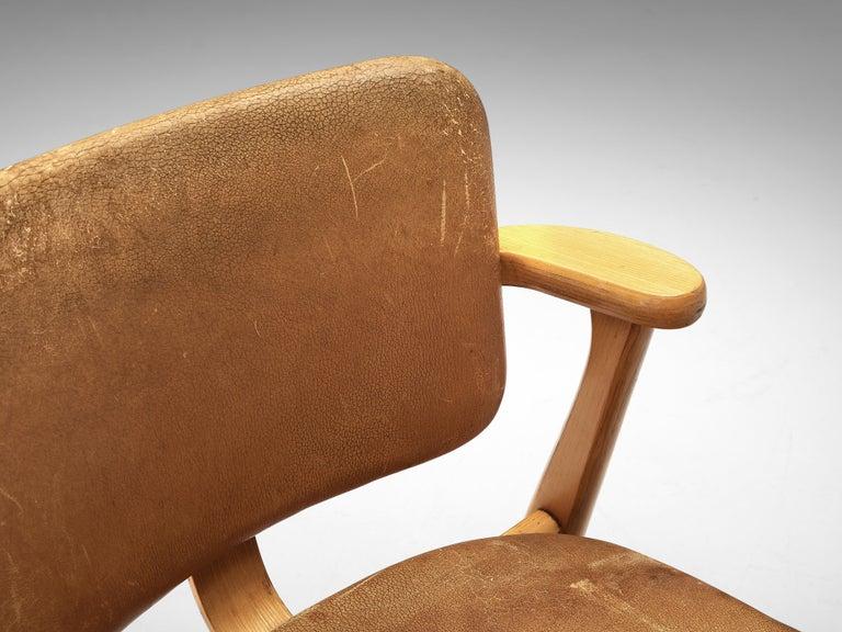 Scandinavian Modern Ilmari Tapiovaara Armchairs 'Domus' in Beech and Patinated Leather For Sale