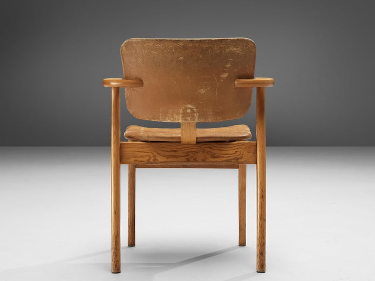 Ilmari Tapiovaara Armchairs 'Domus' in Beech and Patinated Leather For Sale 1