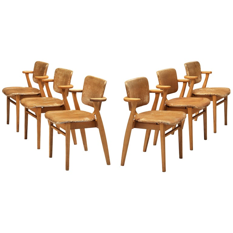 Ilmari Tapiovaara Armchairs 'Domus' in Beech and Patinated Leather For Sale