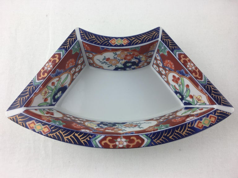 Japanese Imari Octagonal Shaped Serving Dish Comprised of 5 Bowls For Sale