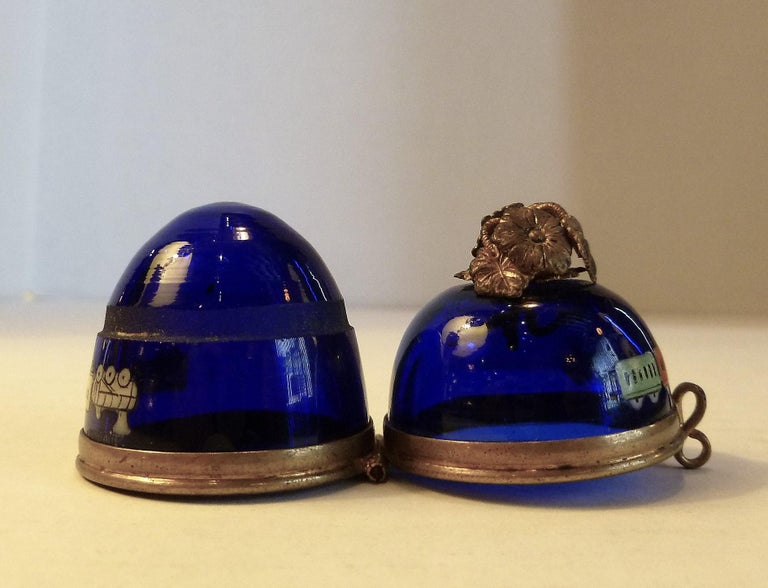 Imperial Glasswork of St. Petersburg 1900s Cobalt Blue Glass Egg on Stand For Sale 5