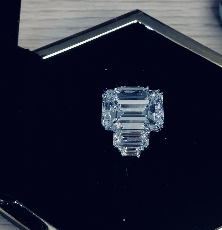 Women's GIA Certified 13.50 carats Emerald Cut Diamond  Engagement Ring For Sale