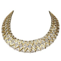 Important 18 Karat Gold Diamond Necklace