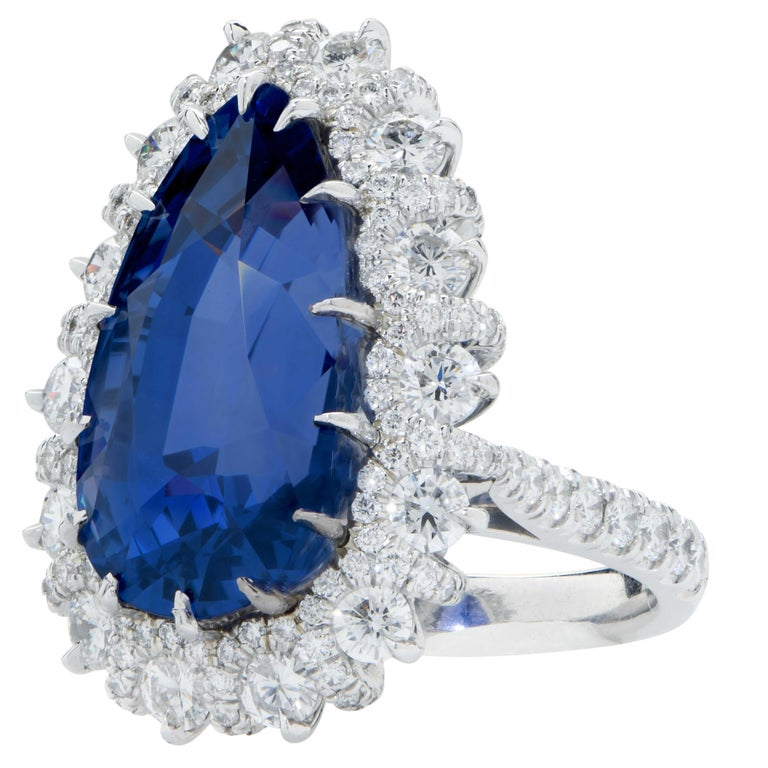 Important 19 Carat AGL Graded Pear Shaped Sapphire and Diamond Ring In Excellent Condition For Sale In Coral Gables, FL