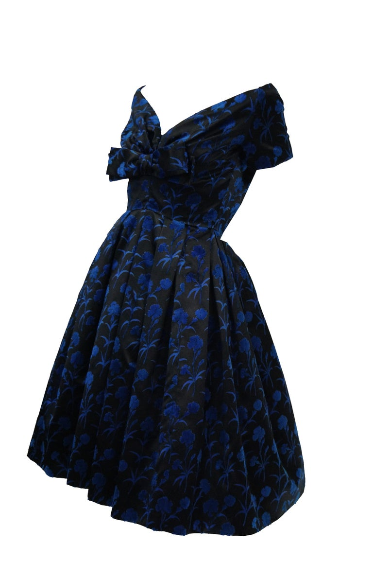 Important 1950s Christian Dior Couture Blue & Black Silk & Velvet New Look Dress In Excellent Condition For Sale In Houston, TX