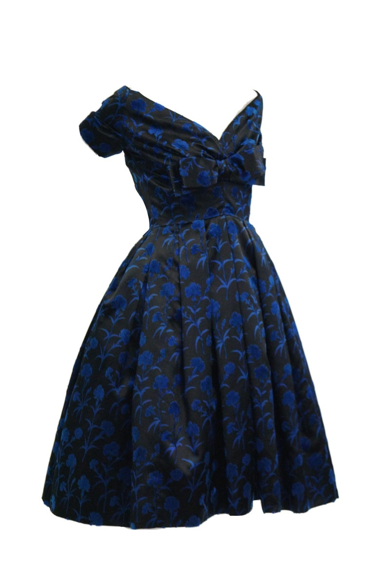 Important 1950s Christian Dior Couture Blue & Black Silk & Velvet New Look Dress For Sale 3