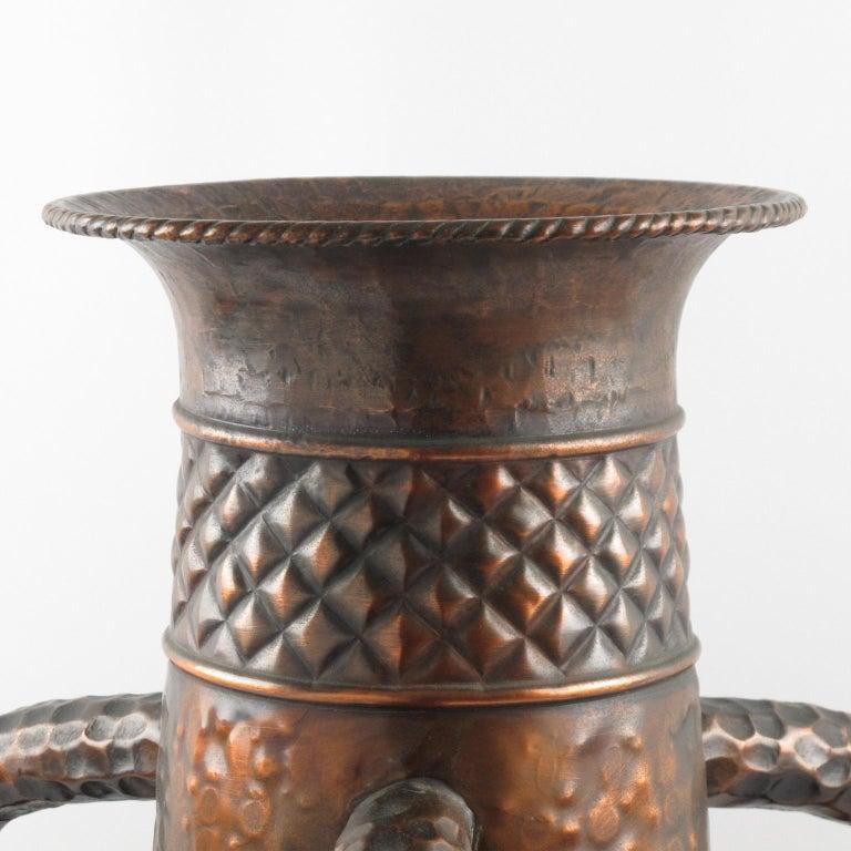 Important 1960s Italian Hammered Copper Baluster Urn Vase In Good Condition For Sale In Atlanta, GA