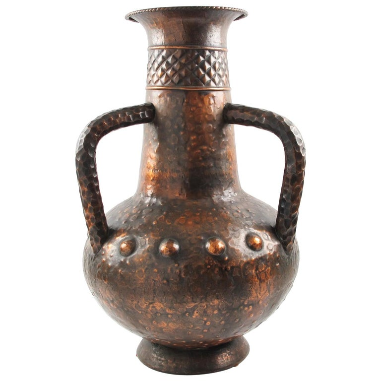 Important 1960s Italian Hammered Copper Baluster Urn Vase For Sale
