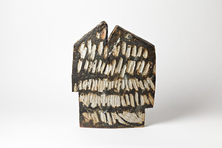 F. Maréchal  Important stoneware ceramic sculpture.  Exceptionnal architectural form with white and blanck ceramic glaze colors.  Wood firing ceramic effects.  Realised in La Borne, famous ceramic place in France.  Signed at the base: F