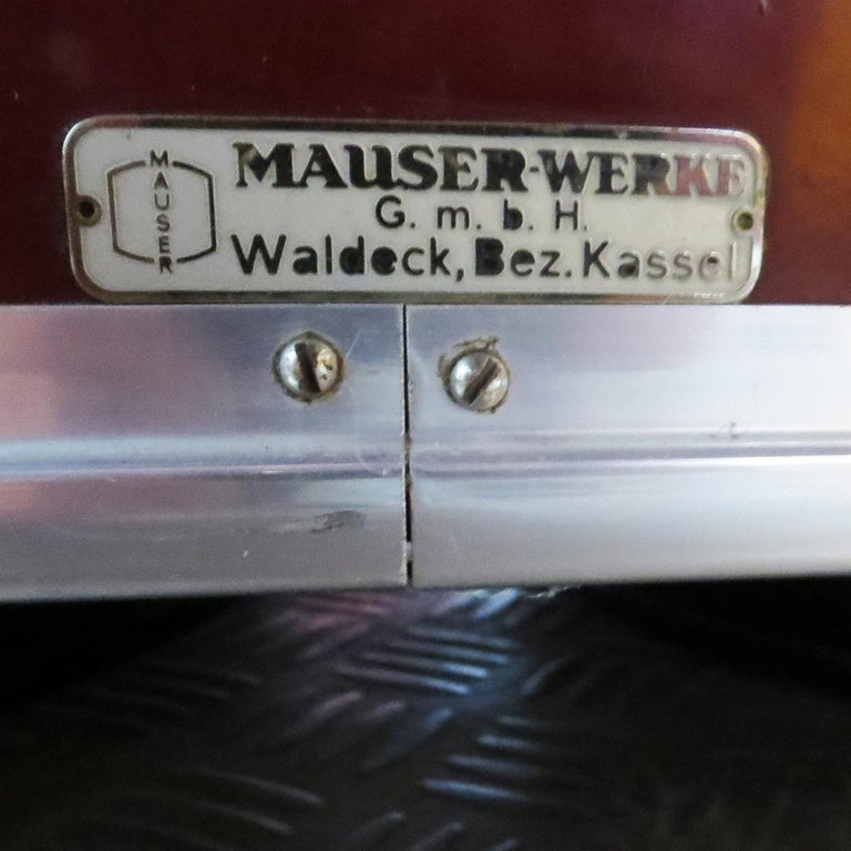 Steel Important Art Deco Executive Desk and Chair by Mauser For Sale