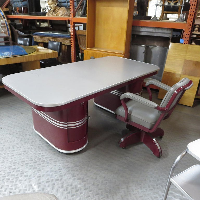 Important Art Deco Executive Desk and Chair by Mauser For Sale 1