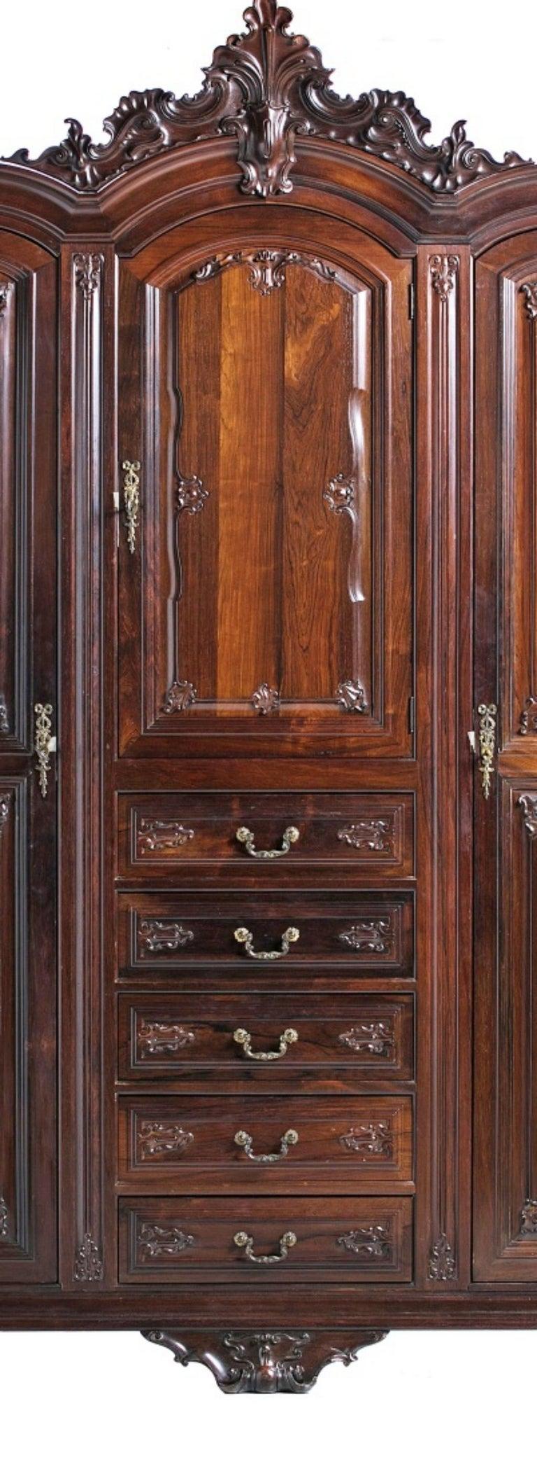 Victorian Important Brazilian Wardrobe Closet in Palisander Wood, 20th Century For Sale