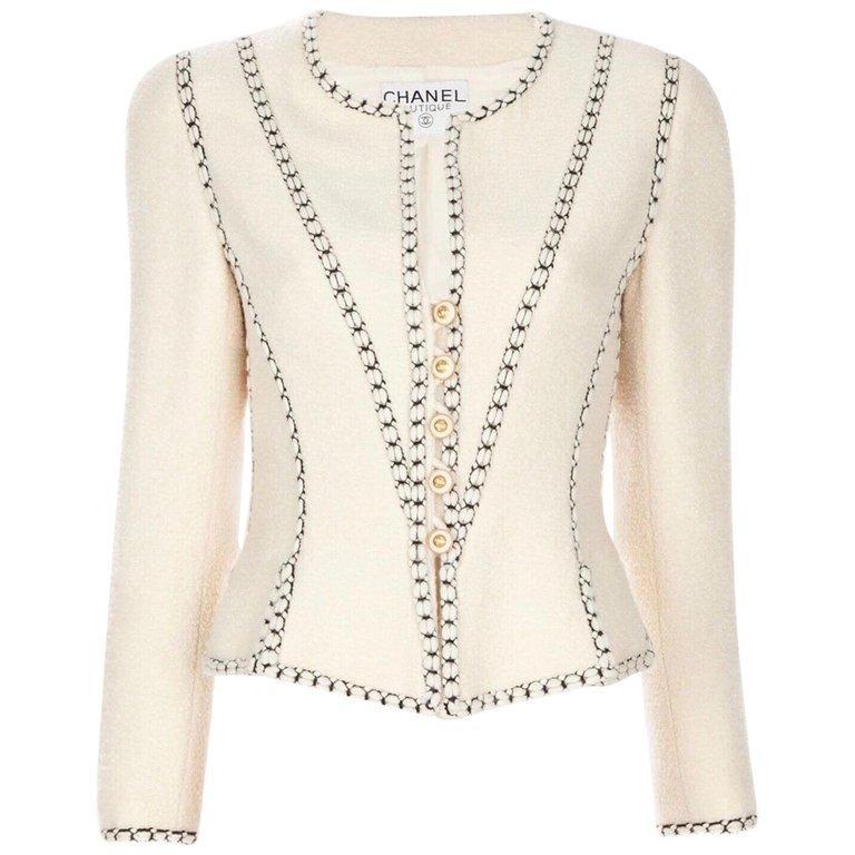 Important Chanel Ivory CC Logo Signature Jacket Blazer For Sale 3