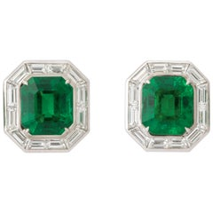 Important Colombian Emerald Diamond Earrings