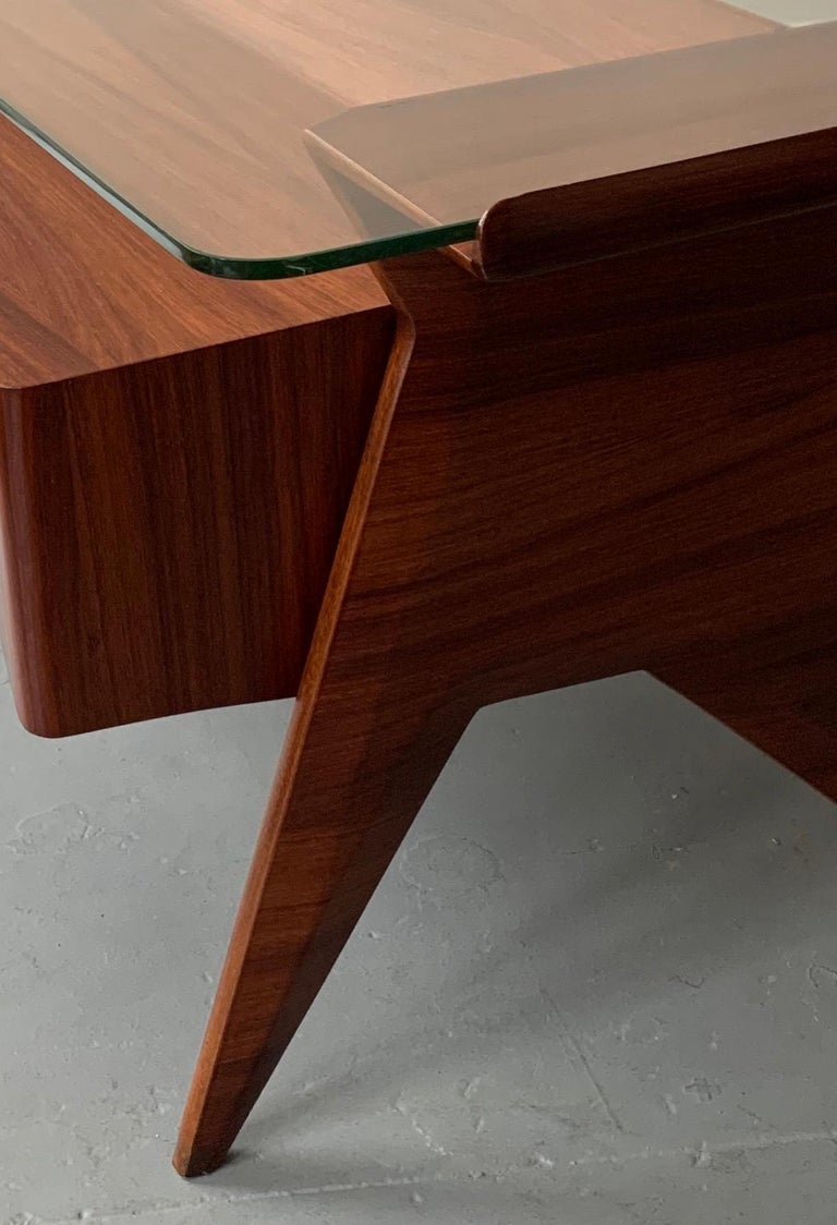 Important Desk by Gio Ponti For Sale 2