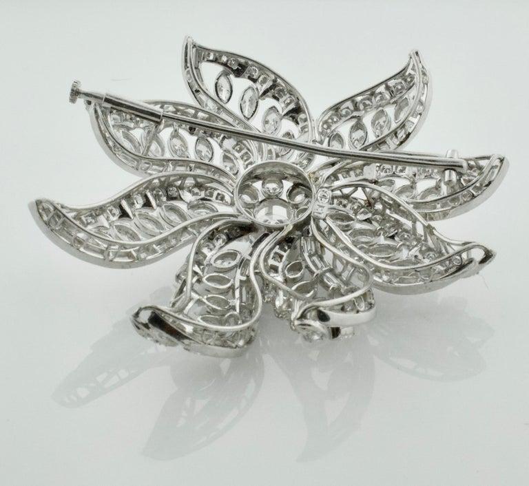 Women's or Men's Important Diamond Flower Brooch in Platinum, circa 1940s 15.65 Carat For Sale