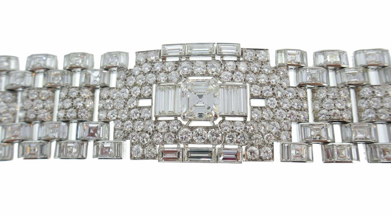 Art Deco Revival Diamond Platinum Bracelet, 1960s In Excellent Condition For Sale In Beverly Hills, CA