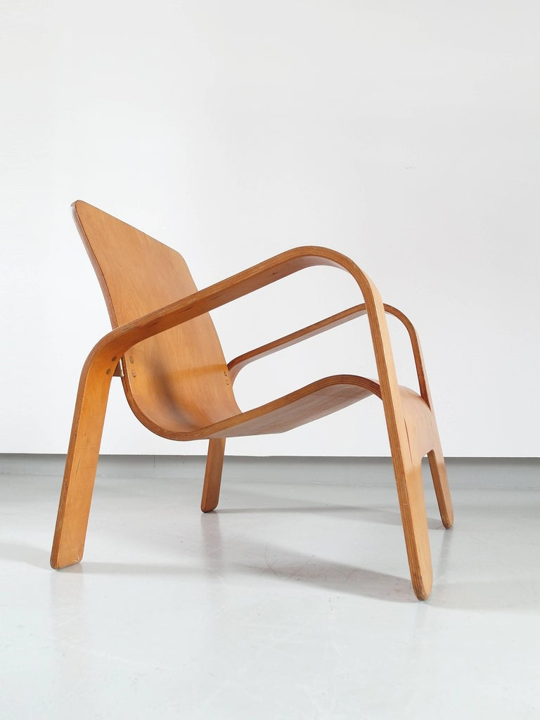 Important Dutch Modernist Lawo Lounge Chair by Han Pieck for Lawo Ommen, 1946 For Sale 10