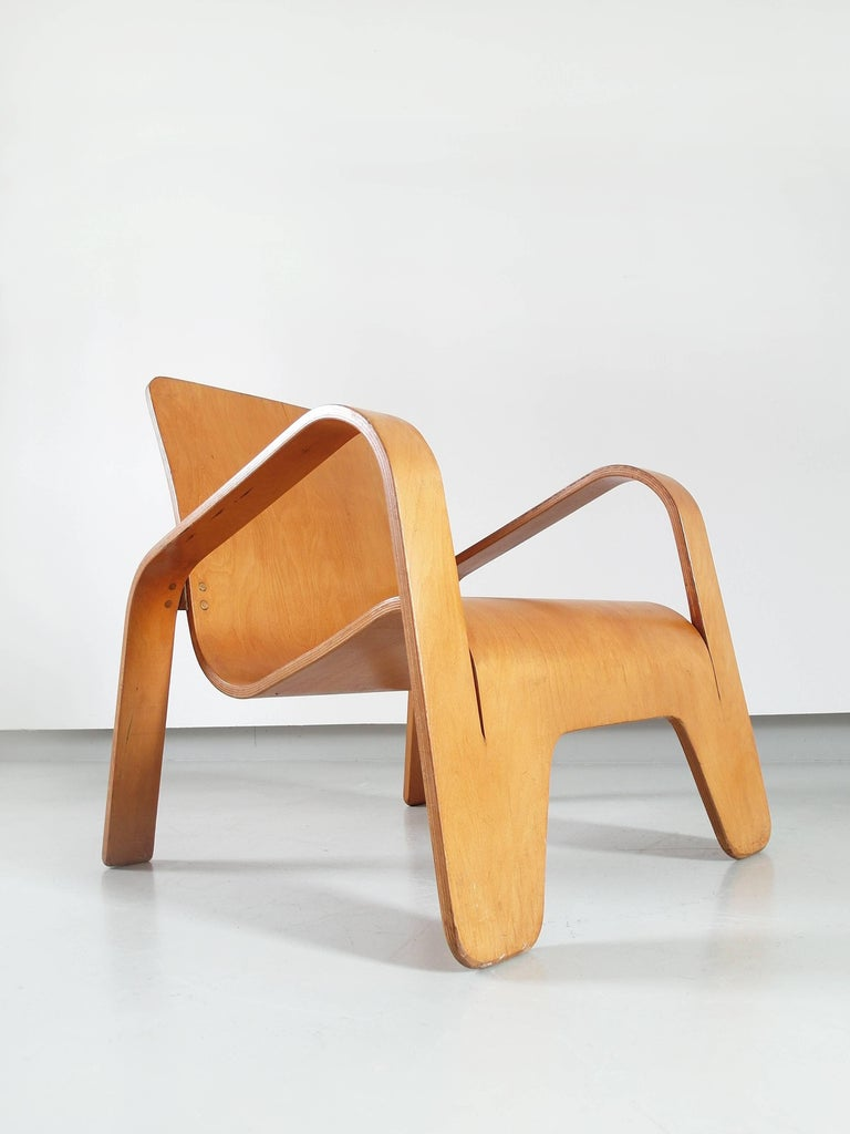 Important Dutch Modernist Lawo Lounge Chair by Han Pieck for Lawo Ommen, 1946 For Sale 11