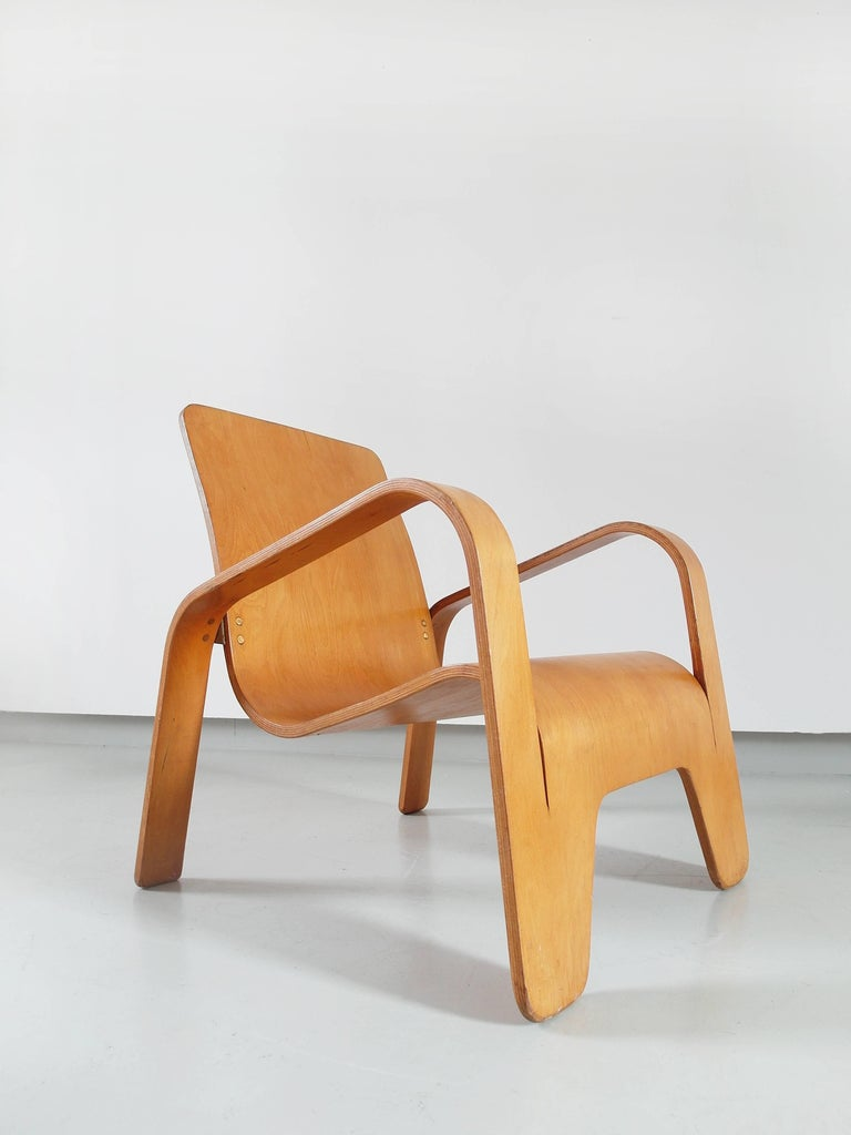 Mid-20th Century Important Dutch Modernist Lawo Lounge Chair by Han Pieck for Lawo Ommen, 1946 For Sale