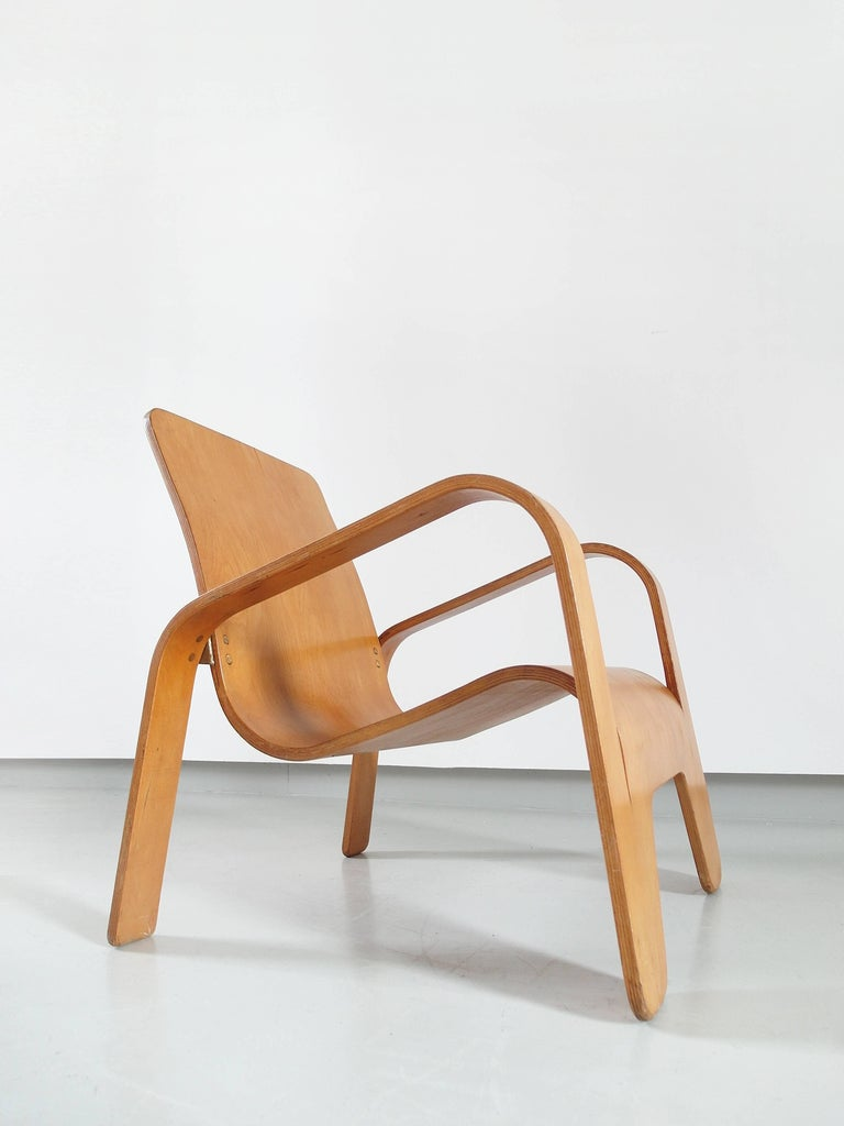 Important Dutch Modernist Lawo Lounge Chair by Han Pieck for Lawo Ommen, 1946 For Sale 1