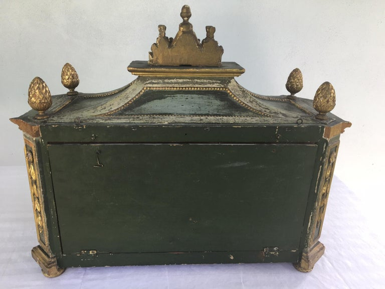 Important Early 18th Century Italian Baroque Reliquary Casket For Sale 5