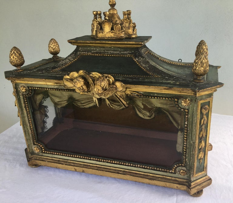 Hand-Carved Important Early 18th Century Italian Baroque Reliquary Casket For Sale