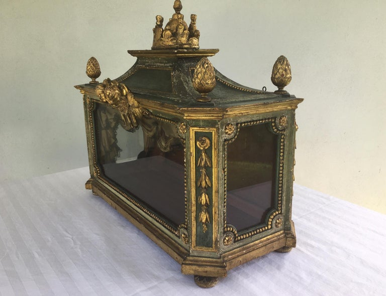 Important Early 18th Century Italian Baroque Reliquary Casket For Sale 3